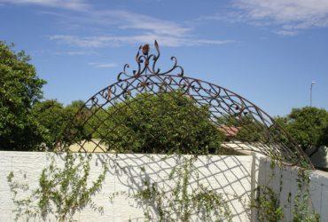 Forged-Steel-Garden-Arbor-2